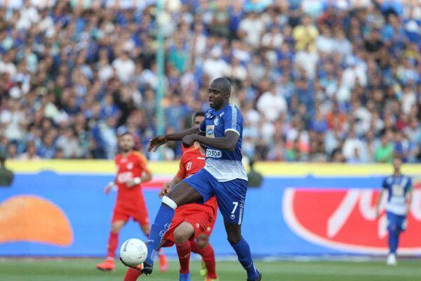 توقف استقلال برابر فولاد در نیمه اول، خبری از فوتبال جذاب نیست!