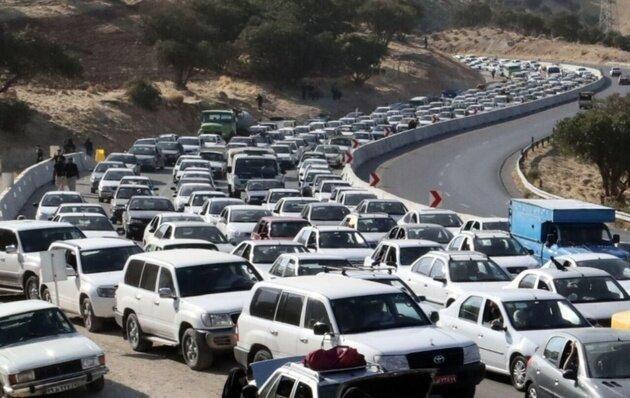 ترافیک سنگین در محورهای بازگشت زوار، تمام محورهای کرمانشاه لغزنده است