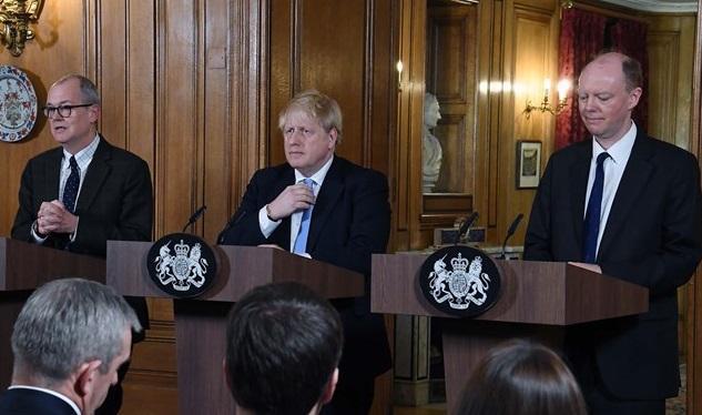 موج انتقاد مردم انگلیس از دولت به خاطر باز نگه داشتن مدارس در بحبوحه شیوع کرونا